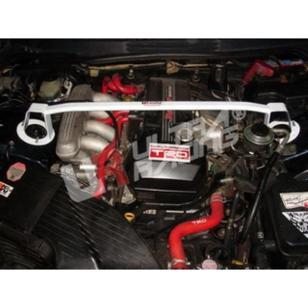 Ultra Racing Domstrebe vorn oben 2-Punkt - 98-05 Toyota Altezza (XE10) (AS200/IS200) 2.0
