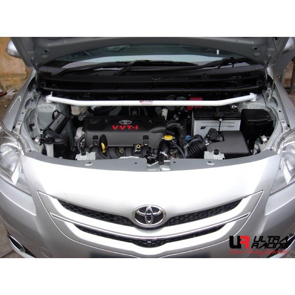 Ultra Racing Domstrebe vorn oben 2-Punkt - 07-13 Toyota Vios (XP90) 1.5 (2WD) / 05-13 Toyota Yaris (XP90) 1.5 (2WD)