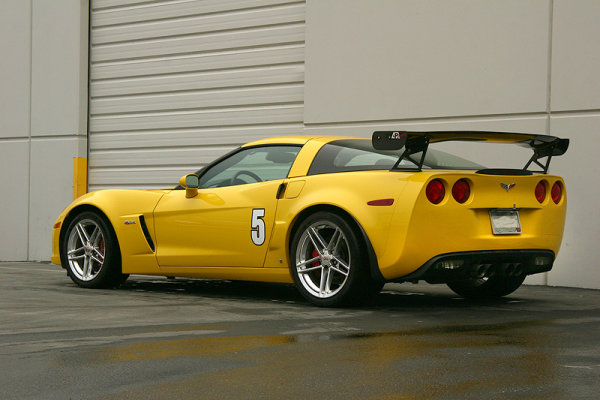 APR Performance GTC-500 Spoiler (verstellbar) 71 (180 cm) - 05+ Chevrolet Corvette C6 / C6 Z06