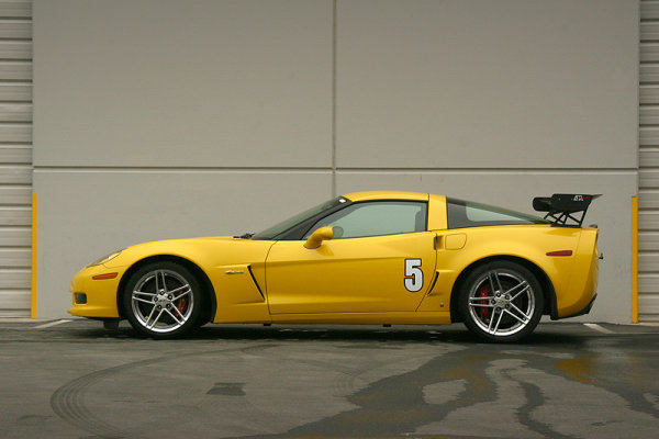 APR Performance GTC-500 Spoiler (verstellbar) 74 (188 cm) - 05+ Chevrolet Corvette C6 / C6 Z06